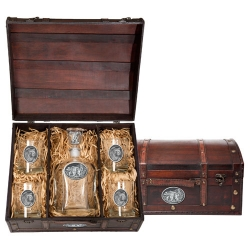 Grizzly Bear Capitol Decanter Set w/ Chest