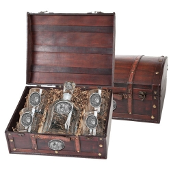 Lion Capitol Decanter Set w/ Chest