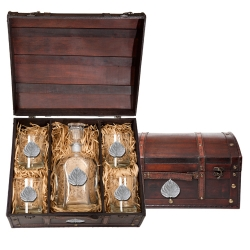 Aspen Capitol Decanter Set w/ Chest